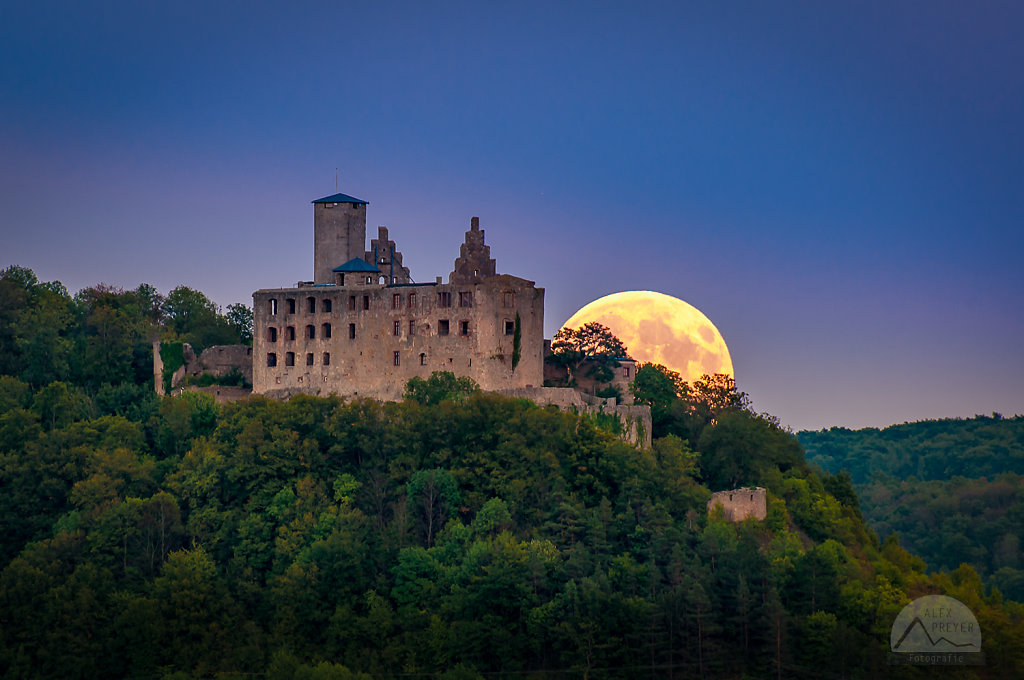 Supermond an der Trimburg